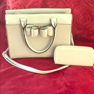 Two toned grey faux leather purse matching wallet